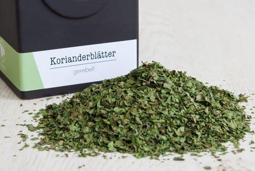 Korianderblätter, gerebelte Kräuter