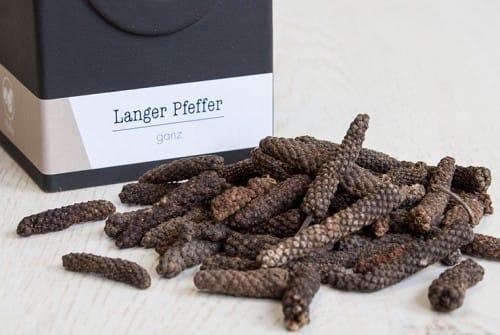 Langer Pfeffer, Stangenpfeffer, Bengalpfeffer, Pipalpfeffer.