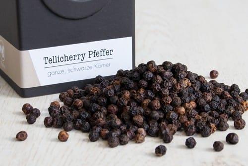 Tellicherry Pfeffer, ganz
